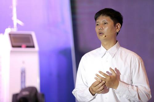 Tiến sĩ Đỗ Hoàng Tùng, Viện Vật lý - Viện Hàn lâm Khoa học và Công nghệ Việt Nam.