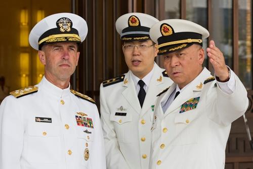Đô đốc Trung Quốc tuyên bố 'sẵn sàng đáp trả' ở Biển Đông