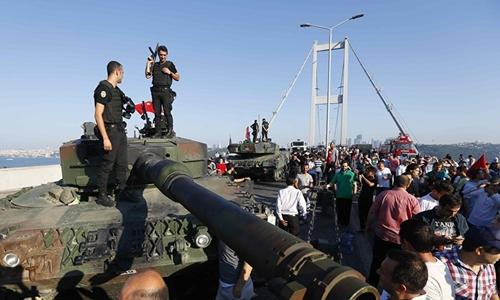 Tổng thống Thổ Nhĩ Kỳ được tình báo Nga báo trước về đảo chính