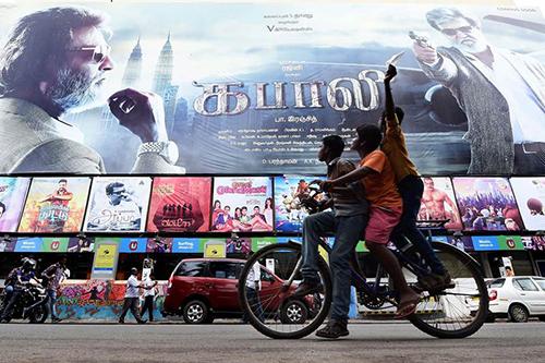 Người Ấn Độ chờ đón bộ phimKabali có ngôi saoRajinikanth