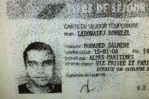 Hình ảnh trên giấy tờ tùy thân của kẻ lao xe khủng bố ở Nice. Ảnh: Mirror