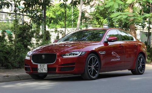 jaguar-xe-xe-la-anh-quoc-cho-khach-hang-viet-1