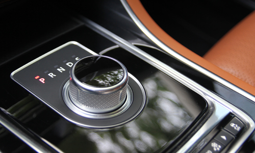 jaguar-xe-xe-la-anh-quoc-cho-khach-hang-viet-2