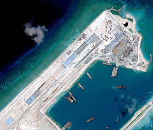 Hình ảnh Trung Quốc cải tạo phi pháp đá Chữ Thập, thuộc quần đảo Trường Sa của Việt Nam. Ảnh: CSIS