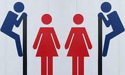 Những biển cấm 'bá đạo' nhất trong nhà vệ sinh