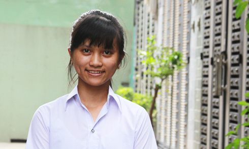 Mẹ mất vì ung thư, nữ sinh Sài Gòn quyết tâm làm bác sĩ