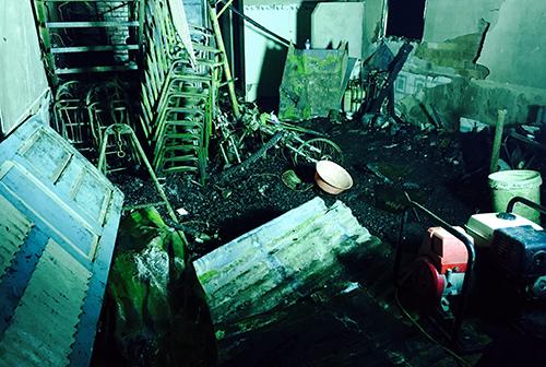 Toàn bộ căn nhà bị thiêu rụi khiến 6 người tử vong. Ảnh: Phúc Hưng