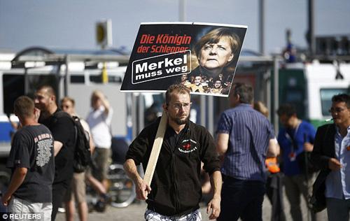 Hàng nghìn người biểu tình tại Berlin đòi thủ tướng Đức từ chứctại