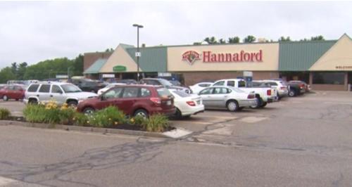 siêu thị Hannaford ở thị trấn Raymond, bang New Hampshire, nơi bán ra chiếc vé trúng giải độc đắc Powerball. Ảnh: CBS