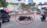 Những thanh niên ôm hận vì 'diễn xiếc' xe máy