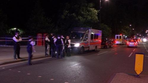 Cảnh sát tại hiện trường vụ việc. Ảnh: ITV