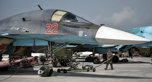 Chiến đấu cơ Nga tại căn cứ không quân Hmeymim, tỉnh Latakia, Syria. Ảnh: