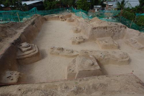 Khu vực khai quật di chỉ Động Bà Hòe tại xã Hàm Đức, huyện Hàm Thuận Bắc.