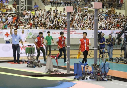 Để đại diện cho Việt Nam tham dự cuộc thi quốc tế, LH FF đã lên ngôi vô địch sau chiến thắng đội cùng trường vào tháng 5 vừa qua. Ảnh: BTC