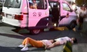 Hai phụ nữ Trung Quốc ngất xỉu vì cãi nhau liền 8 tiếng