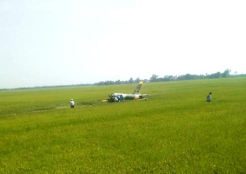 Máy bay quân sự rơi ở Phú Yên