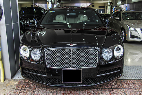 bentley-flying-spur-v8-da-dang-phong-cach-sedan-sieu-sang