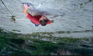 Bộ não không biết sợ của người tay không leo vách núi 760 m