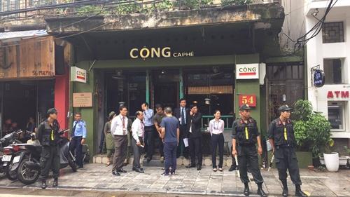 Tổng thống Pháp dạo phố cổ Hà Nội