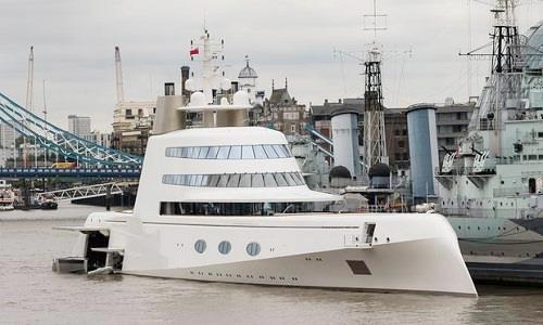 du thuyền Motor Yacht Atrên sông Thames, London.Ảnh: Vickie Flores/Rex/Shutterstock