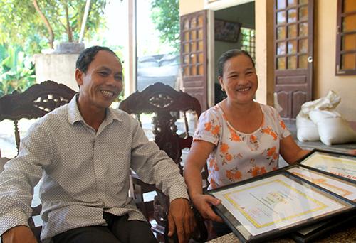 Bố mẹ kể về cuộc đời như cổ tích của đô cử Lê Văn Công