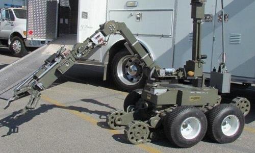 robot-tuoc-vu-khi-cua-ten-cuop-dau-sung-voi-canh-sat