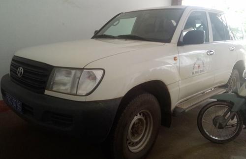 Giám đốc Bệnh viện đa khoa huyện Phú Quốc tự ý thao gỡ xe cứu thương của đơn vị để biến thành xe riêng. Ảnh: Phúc Hưng