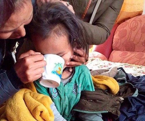 Dopchutđược tìm thấy trong tình trạng bị mệt và đói nhưng không có vết thương nào nghiêm trọng.