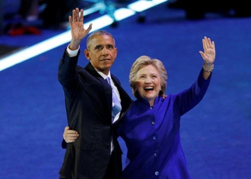 U.S. President Barack Obama is joined by Democratic Nominee for President Hillary Clinton at the Democratic National Convention in Philadelphia, Pennsylvania, U.S. July 27, 2016. REUTERS/Scott Audette