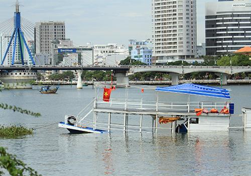 Phó giám đốc Sở Giao thông Đà Nẵng bị khiển trách vì vụ chìm tàu