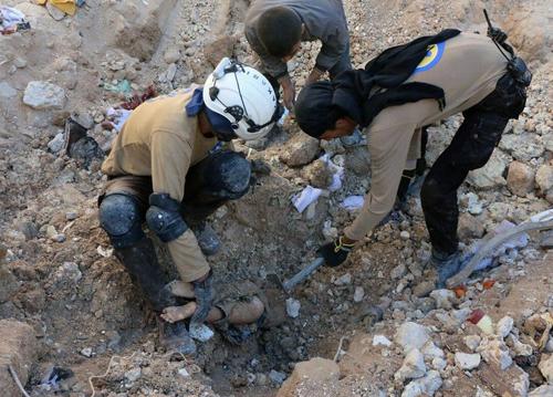 Dội bom hủy diệt Aleppo, Nga một mũi tên trúng nhiều đích