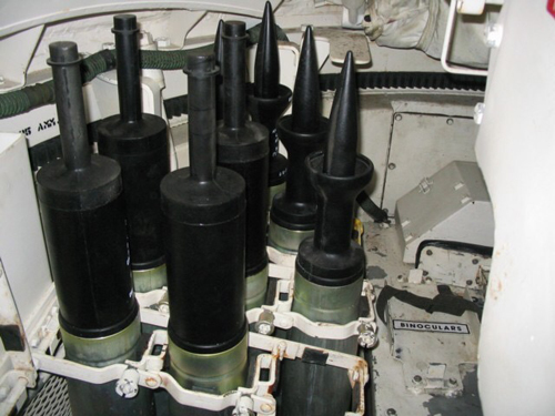 tang-t-14-armata-ban-ha-dan-xuyen-giap-loi-urani-ngheo-1