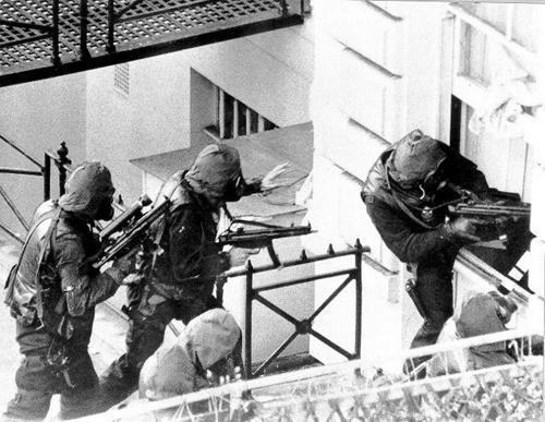 Đặc nhiệm SAS Anh đột kích vào tòa đại sứ Iran tại London. Ảnh: History
