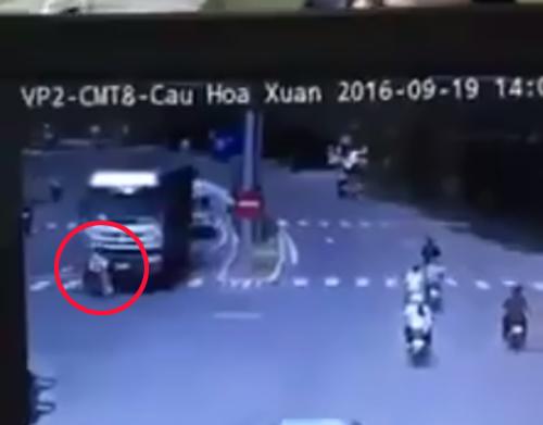 video-taxi-no-nhu-bom-o-quang-ninh-2-nguoi-chet-3