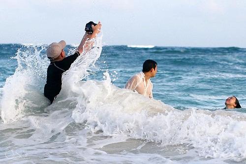... đến nơi sóng biển dập dềnh.