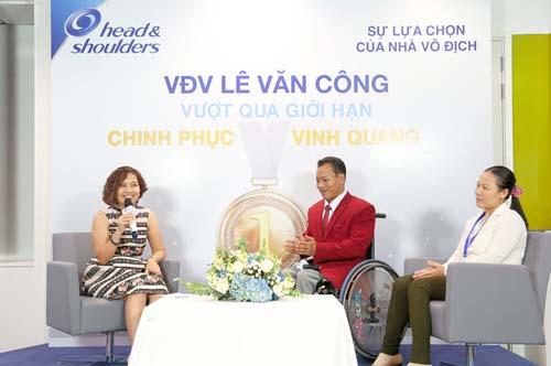 le-van-cong-nha-vo-dich-khong-dau-hang-so-phan