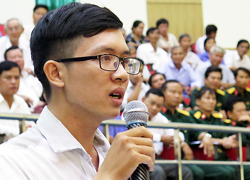 Bị thử việc không lương, thầy giáo than phiền với ông Đinh La Thăng