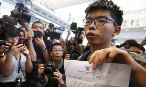 Thủ lĩnh biểu tình của sinh viên Hong Kong bị Thái Lan từ chối nhập cảnh và phải quay lại. Ảnh: SCMP.