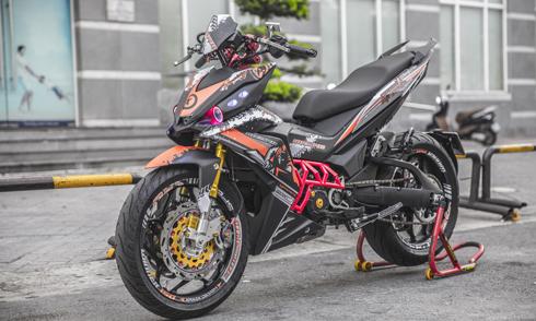 Bản độ với nhiều đồ chơi của biker Sài Gòn.