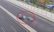 Fortuner mất lái gây kinh hoàng cho Altis và Camry trên cao tốc