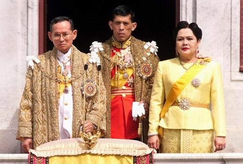 thai-tu-mang-ham-tuong-noi-ngoi-quoc-vuong-thai-lan-2
