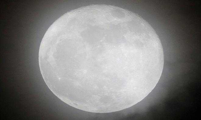 VNE-Supermoon-9-1476753945_660x0.jpg