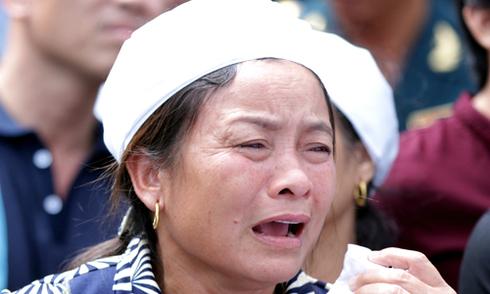 Nước mắt tiễn đưa 3 phi công trực thăng EC130