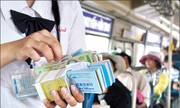 Xe buýt thất thu vì nhận tiền nhưng không đưa vé cho khách