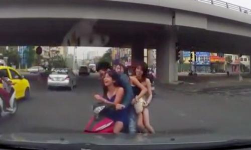 video-nguoi-dan-ong-tu-vong-vi-lot-ho-ga-o-sai-gon-xem-nhieu-tuan-qua-5