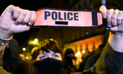 Tình cảnh khiến cảnh sát Pháp nổi giận, biểu tình 6 ngày liền