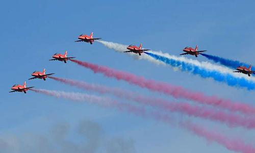 Phi đội Mũi tên đỏ của Không quân Hoàng gia Anh đến Việt Nam