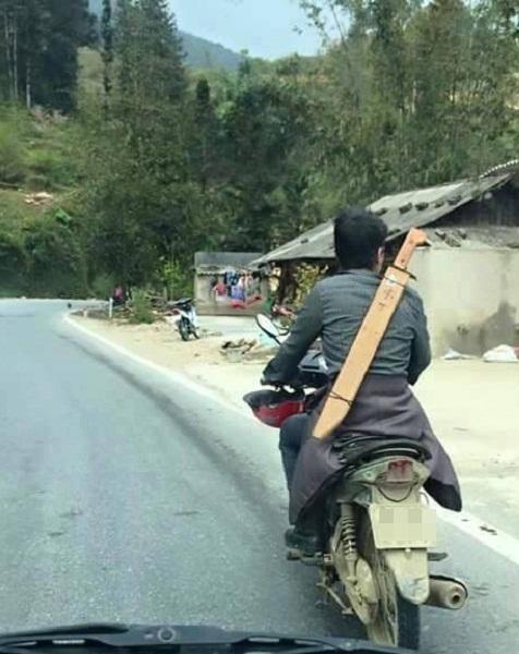 Đại hiệp xuống núi.