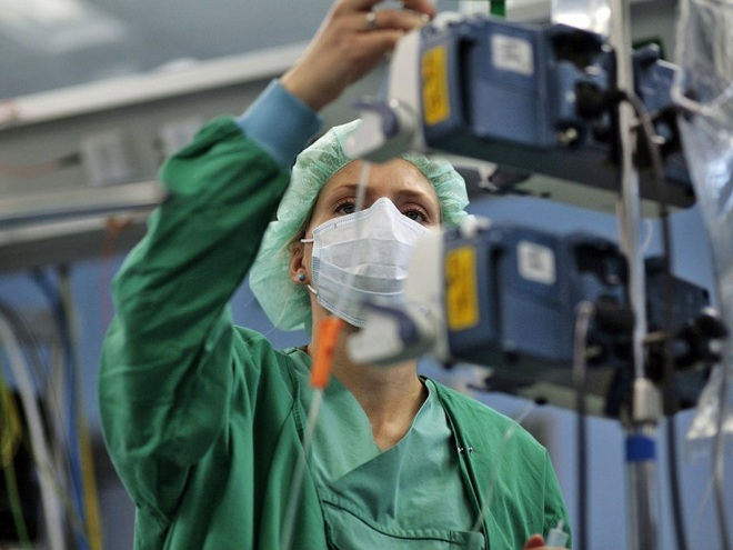 1-nurse-anesthetists-1477831145_660x0.jp