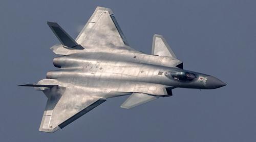 Tiêm kích tàng hình J-20 Trung Quốc. Ảnh: Sina
